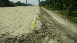 Embankment filling 1st layer lime line and flag marking at ch.99 012-ch.99 115